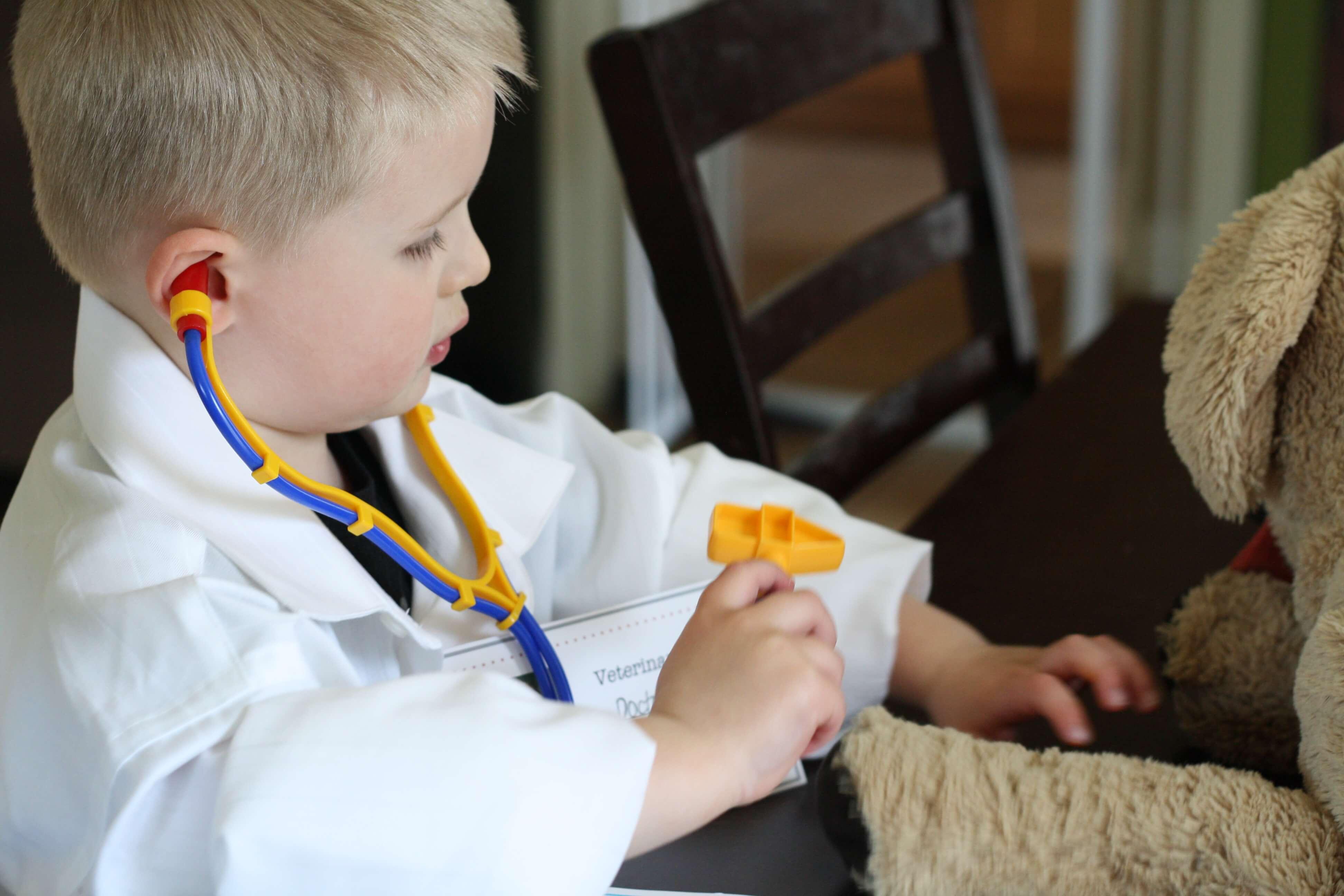 veterinar kid Pretend Play: Veterinarian's Office Printables