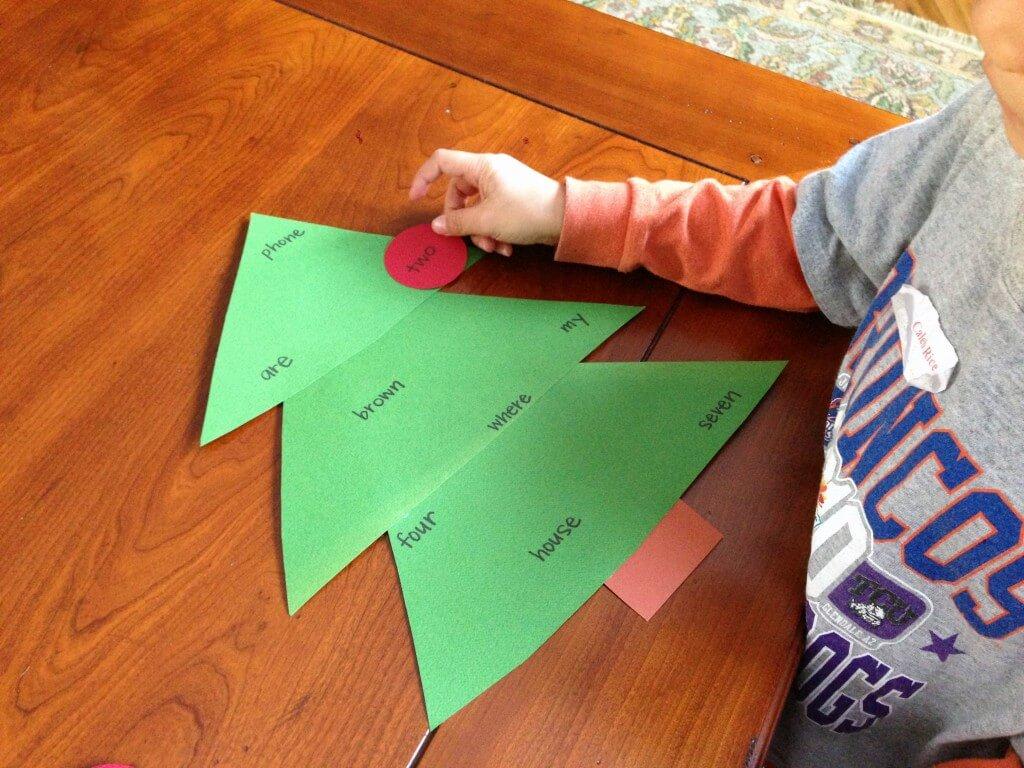 Sight Word Christmas Tree Game {Playdough to Plato}