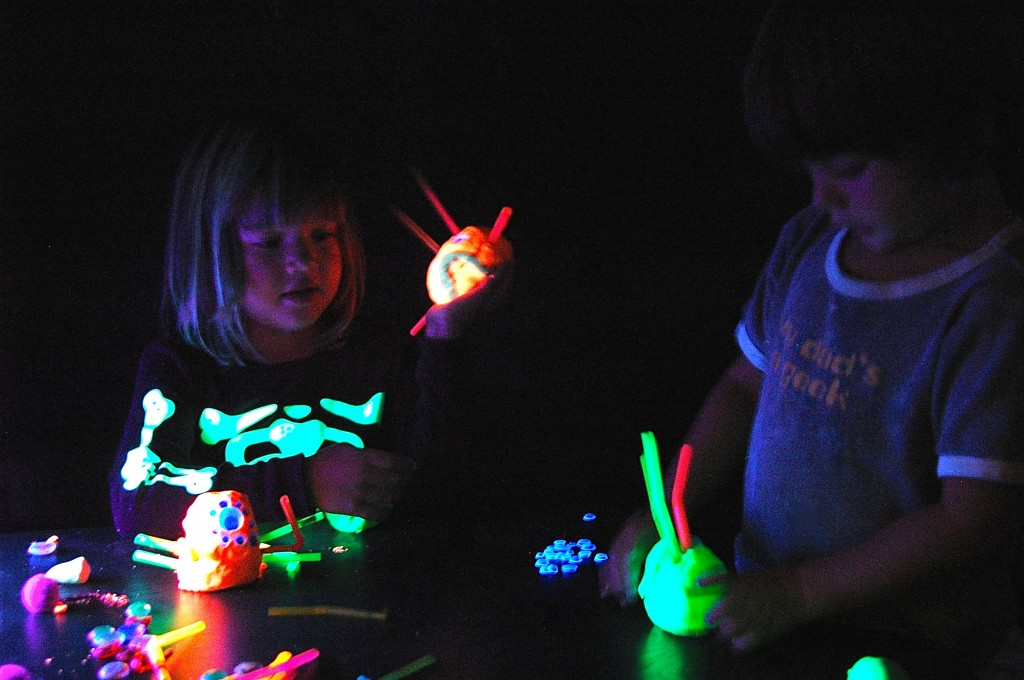 Awesome! Glow in the Dark Playdough Recipe. {Playdough to Plato}