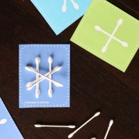 Awesome Busy Bag for Kids! Make Q-tip snowflakes!!