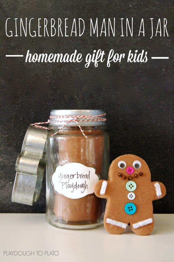 Awesome gift for kids! Make a gingerbread man kit in a jar.