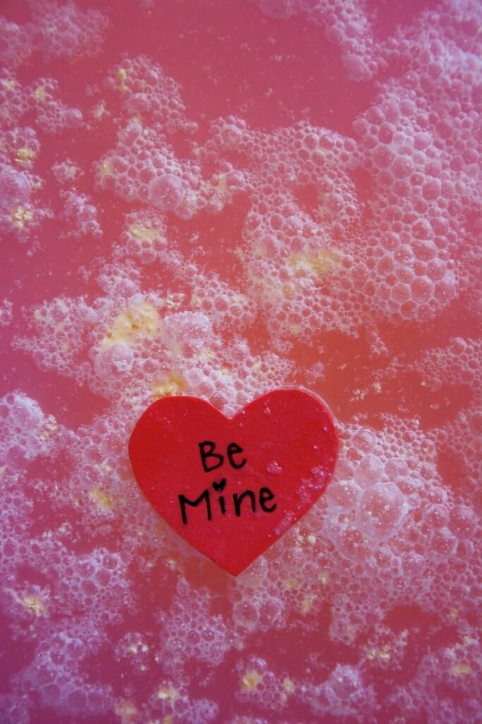 Awesome hidden message bath bombs. Great kid-made valentine!