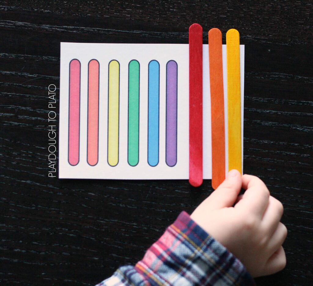 FREE popsicle stick pattern cards. Such a simple, fun way to practice patterns.