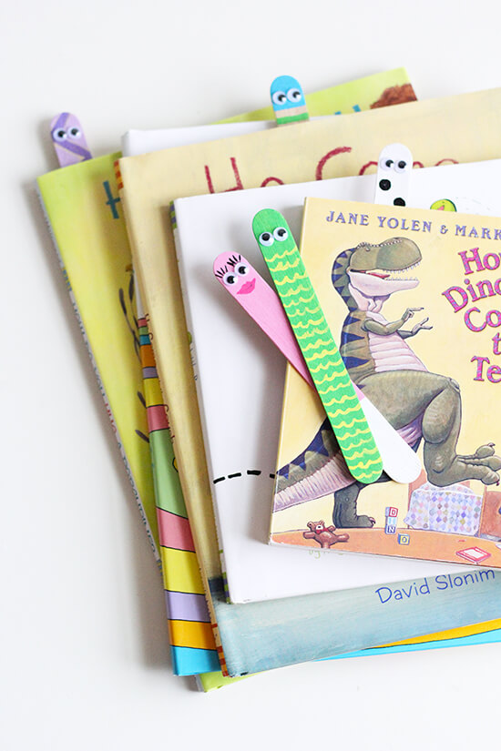 SweetLittlePeanut_BacktoSchoolCraft_BookWorms_BookMarks_7