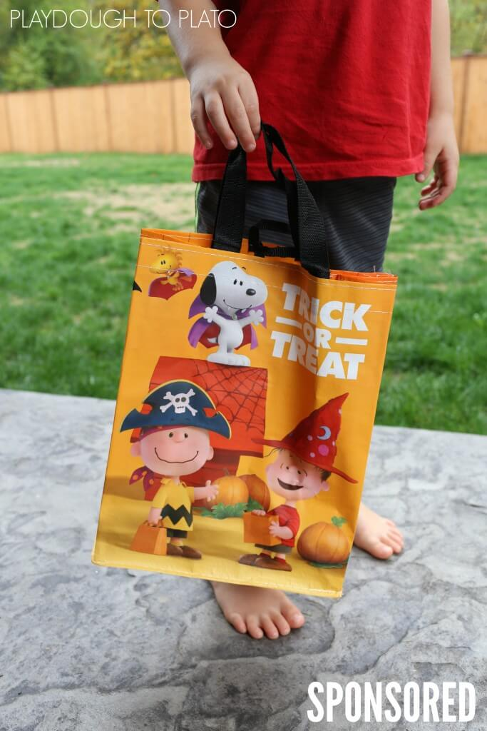 Adorable, FREE Peanuts Trick-or-Treat Bags from Safeway and Albertsons!