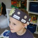 Learn about planet characteristics and learn their order from the sun with an awesome solar system hat craftivity.